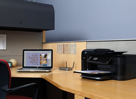 HP Officejet Pro 6500A Plus e-All-in-One, laptop, and router